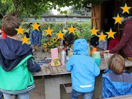 Immer Dienstag nachmittags ist Zeit um über eigene Beobachtungen und über andere Lebewesen im Park und im Garten, im Blumentopf auf dem Balkon und über Aktivitäten auf dem Schulweg zu berichten
